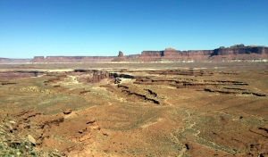 The white rim trail from Hogback
